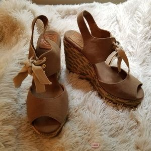 EUC Tory Burch Linley wedge sandals, size 8.5